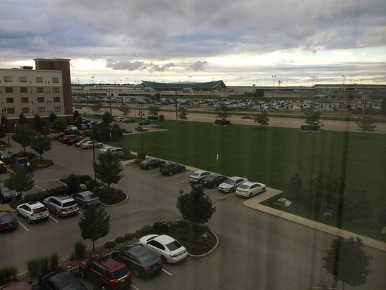 Fairfield Inn & Suites Buffalo Airport : View from the 5th floor towards the airport