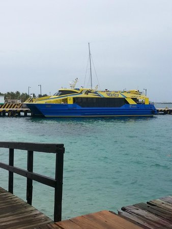 Ultramar : The Ferry