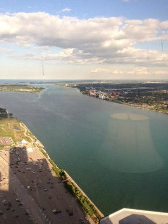 Detroit Marriott at the Renaissance Center : Views from the 70th floor concierge room