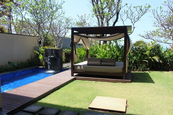 Conrad Bali: the pool suite
