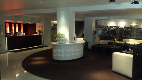 Clarion Collection Hotel Folketeateret: lobby