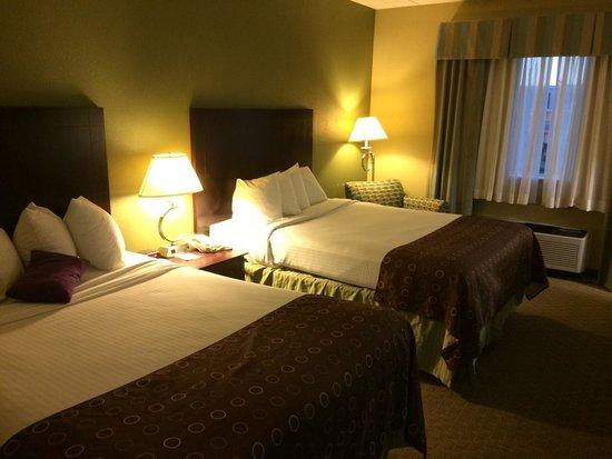 Best Western Airport Inn & Suites Cleveland: Double queen
