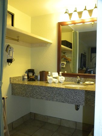 Best Western Plus Siesta Key Gateway: bathroom area