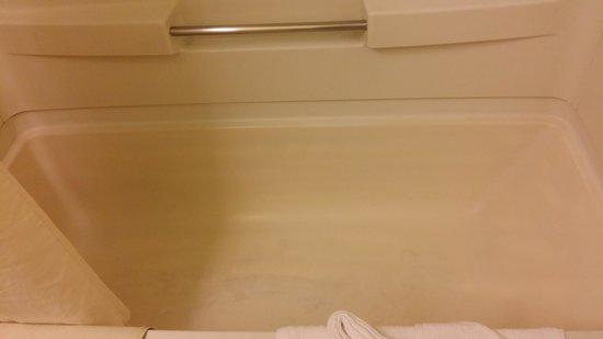 Alamo Inn & Suites: Bath tub