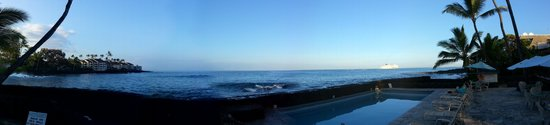 Kona Tiki Hotel: Panorama from my back porch