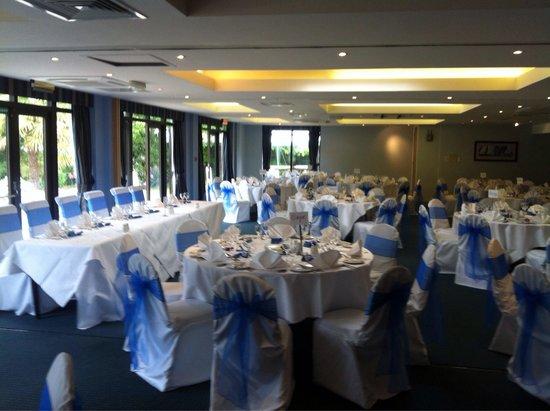 Frensham Pond Country house hotel & Spa: Wedding day set up
