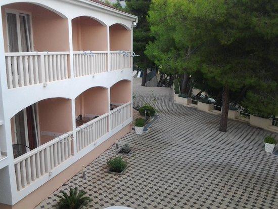 Beach Apartments Lavica: utsikt fra terrassen.