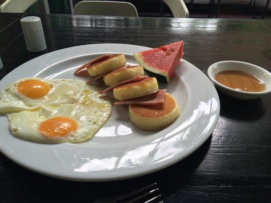 รีฟิลล์ นาว! โฮสเทล: Breakfast omyumyum