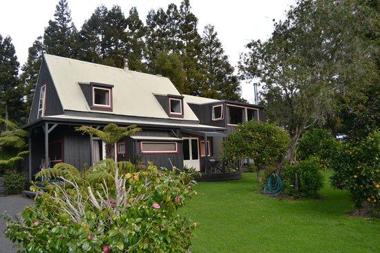 Bushland Park Lodge & Retreat: Main Building