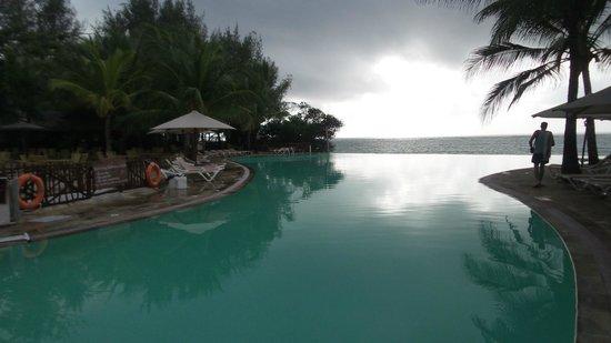 Kole Kole - Baobab Resort Diani : infinity pool