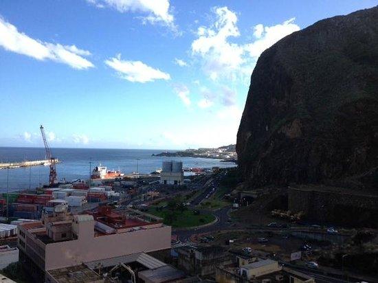 Aparthotel El Galeon: View over the harbour