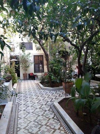 Dar Doukkala: La cour intérieure, le jardin d'Eden