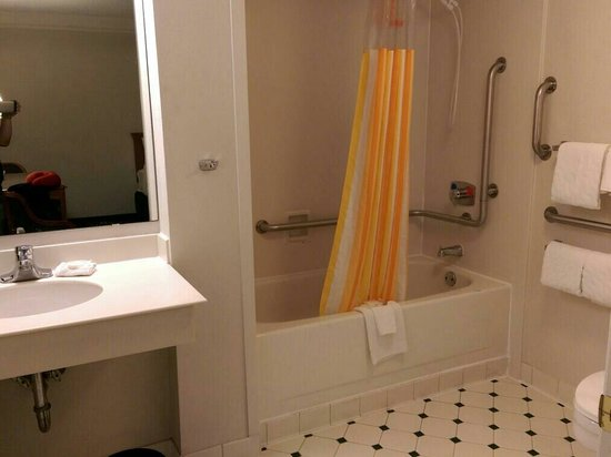 La Quinta Inn Austin University Area: Bathroom