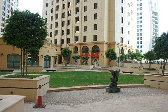 Hawthorn Suites by Wyndham Dubai, Jbr : Around the Area