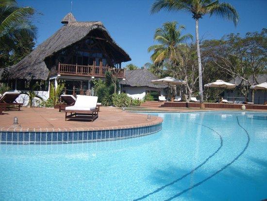VOI Amarina Resort: La reception e la piscina