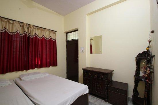 فريندز باينج جيست هاوس: Standard Double bed Room