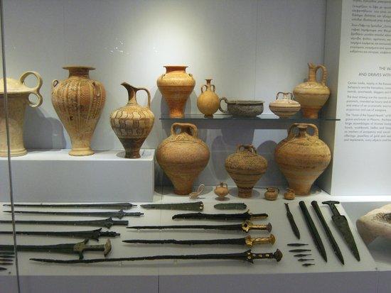 Heraklion Archaeological Museum: recipienti