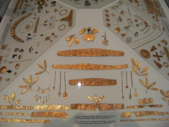Heraklion Archaeological Museum: oro e pietre preziose
