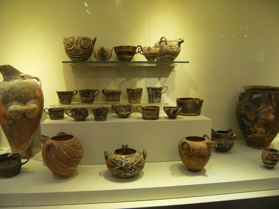 Heraklion Archaeological Museum: tazze