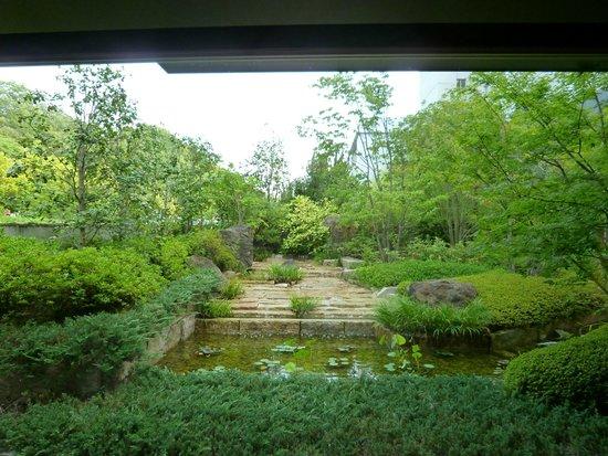Bella Vista Spa & Marina Onomichi: side view from lobby