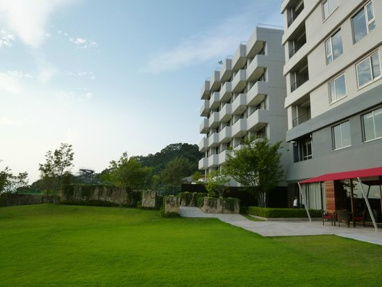Bella Vista Spa & Marina Onomichi: backyard of hotel