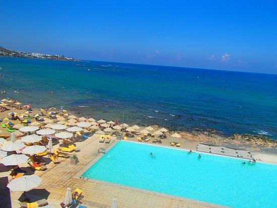 Aktia Lounge Hotel & Spa: piscine à débordement