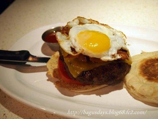 The Counter Downtown L.A.: ハンバーガーはもちろん焼き加減を注文出来ます