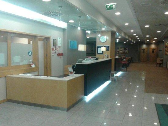 Holiday Inn Express Lisbon Oeiras: Recepção