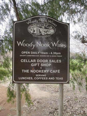 ‪‪The Nookery Cafe‬: Signage‬