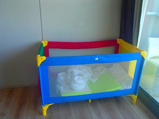 Aktia Lounge Hotel & Spa: lit bébé
