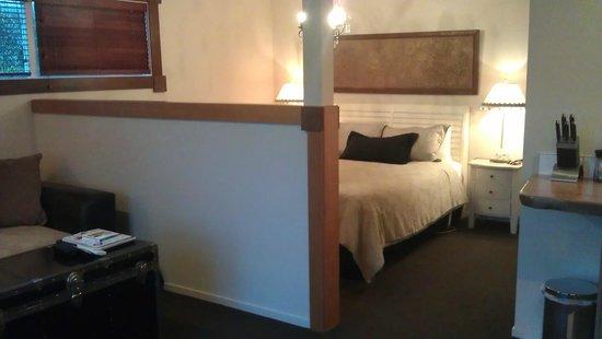 Cambridge Coach House: Pretty bedroom