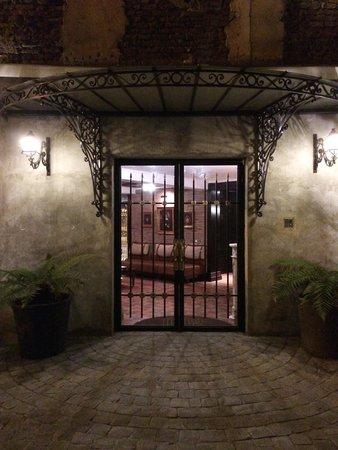 Hotel Boutique Castillo Rojo: The court Yard