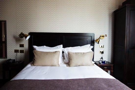 Hotel Boutique Castillo Rojo: my comfy and cozy bed