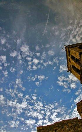 بلاتجا دي أورو, إسبانيا: Castell d` Aro - небо