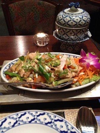 Restaurant Bangkok: huhn mit ingwer