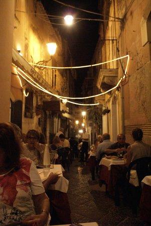 Osteria da Mariano: Tables outside