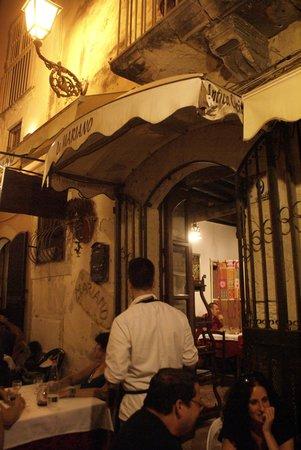 Osteria da Mariano: The restaurant entrance