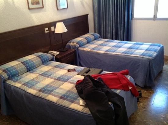 أوستال سونسوليس: room