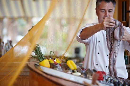 منتجع فور سيزونز ريزورت شرم الشيخ: Fish market at Reef grill