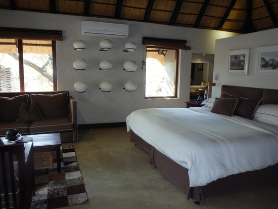 andBeyond Phinda Mountain Lodge: Bedroom