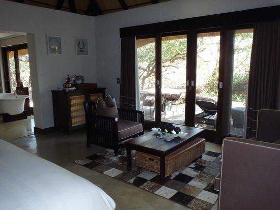 andBeyond Phinda Mountain Lodge: Sitting area
