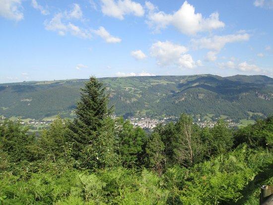 هوستليري سانت كليمنت: vue sur la vallée