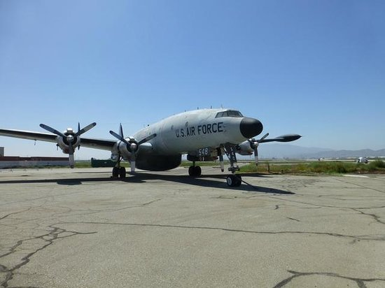 Yanks Air Museum: Constellation