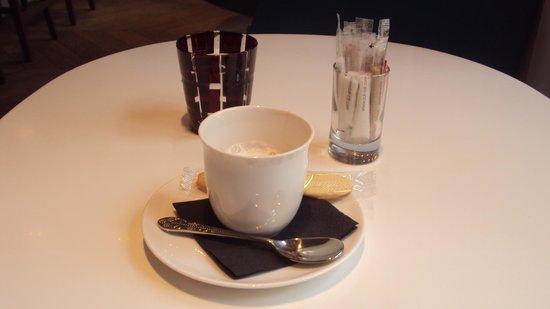 Le Café Kousmichoff: Afternoon coffee