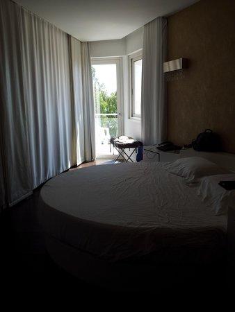هوتل إكسكلوسيف: Room interior