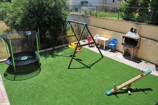 Eleonas Apartments: Playground for children