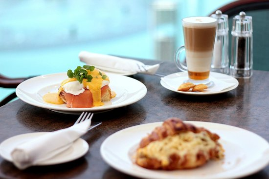 Madeleine Cafe & Boulangerie: Madeleine All Day Lazy Breakfast