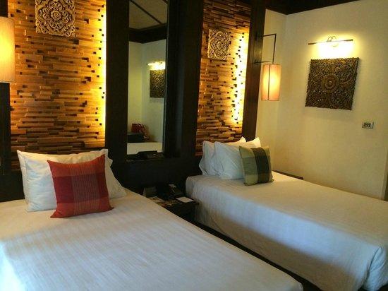 Impiana Resort Patong Phuket : ベッドルーム