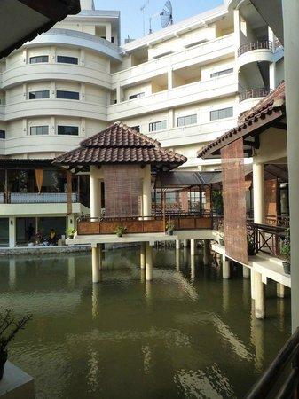 Karang Setra Hotel & Cottages: achterbouw1