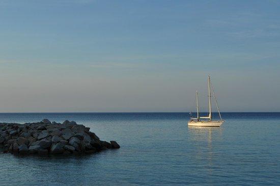 Residence Le Clos Saint Paul: Depuis la promenade en bord de mer
